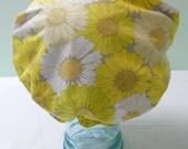 Shower Cap - Retro Hippy Hippie Yellow White Daisies Flowers - Rockabilly Bath & Beauty Hat