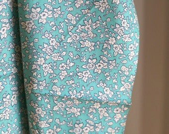 Vintage 40s Cotton Fabric - 1.75 yards - Aqua White Floral - 36 inches wide