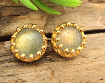 Labradorite Stud Earrings, Iridescent Cabochon Earrings in Yellow Gold, 6mm