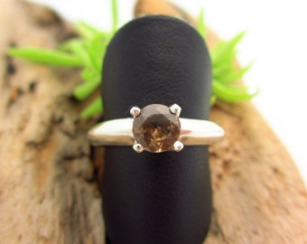 Color Shift Garnet Ring in Sterling Silver, Olive Green to Brown Gemstone - Free Gift Wrapping