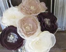 Wedding Centerpiece / Shabby Chic, Table Centerpiece, Vintage Centerpiece, Mason Jar Flowers Rustic Centerpiece 6 flowers