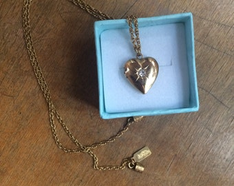 Vintage Gold Heart Locket Necklace / Delicate '90s Charm Necklace / Diamond White Rhinestone Birthstone Necklace / Short Chain