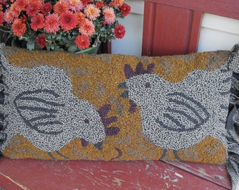 Feathered Friends Pillow rug hooking pattern