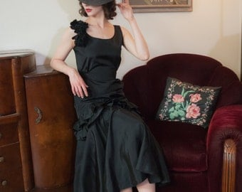 Vintage 1930s Dress - Striking Black Silky Acetate Ruffled 30s Gown with Silk Floral Corsage