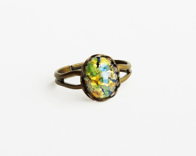 Green Opal Ring Small Vintage Iridescent Glass Ring Harlequin Fire Opal Olivine Cabochon Victorian Opal Jewelry Olive Gold Ring