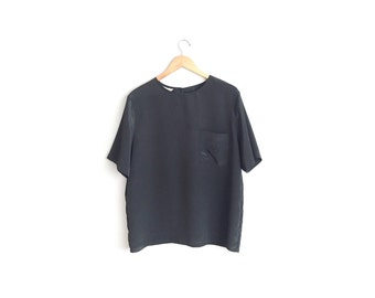 Size XL/1X // POCKET BLOUSE // Minimalist - Black - Short Sleeve - Oversized Shell Blouse - Vintage '90s.