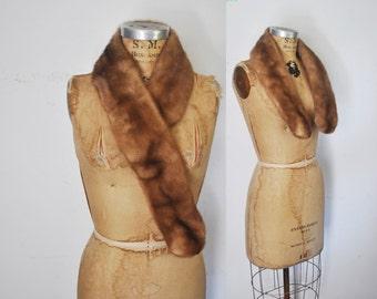 Genuine Mink Fur Collar Scarf / brown / clips