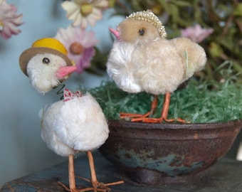 Vintage Chenille Easter Chicks Couple Wearing Hats Bobblehead