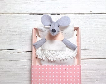 Precious felt mouse felted animal miniature doll mouse in box toy for bjd pink champagne birthday gift for best friend teen room decoration