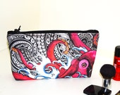 Keahi Raikes Octopus Tattoo - Medium Cosmetic Bag with Zippered top - 10 x 5 x 2