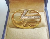 Clear  Rhinestone Vintage Jewelry  Brooch Gold Tone