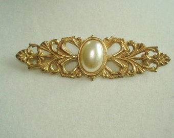 Miriam Haskell Pearl Brooch Gold Tone