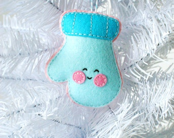 PDF Pattern - Cheery Mitten, Kawaii Christmas Ornament Pattern, Felt Softie Sewing Pattern, Felt Mitten Pattern