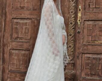 Handknitted Wedding Veil, Ivory Laces Wrap Veil, Italian Weddings, Extrabig Shawl, Mohair with Silk Veil Shawl, Bridal laces veil