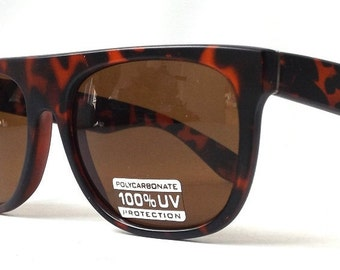 vintage 1990's NOS wayfarer sunglasses matte tortoise shell brown frames glass lenses sun glasses mens womens eyewear fashion accessories