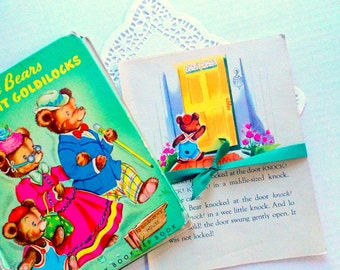 Vintage Children's Book Pages  / The Three Bears / Old Book Pages