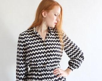 SALE - Geometric black and white dress, vintage, Japan, small