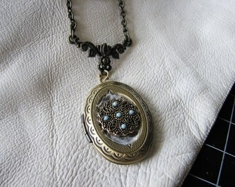 Locket necklace | bohemian pendant | oval | faux turquoise |  boho chic | Victorian style