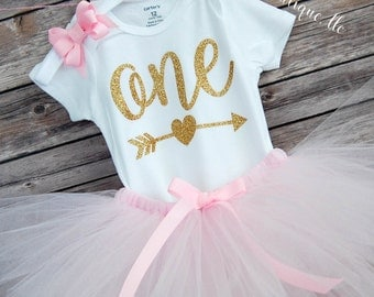 First Birthday Outfit Girl; One Birthday Tutu Outfit; baby girl 'one' tutu outfit; bodysuit & tutu for first birthday