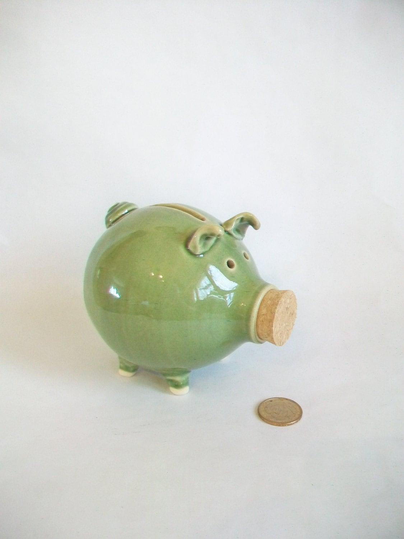 Handmade piggy bank lovely grass green piggy bank for Handmade coin bank