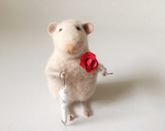 Handsome mouse on a date - Handmade - Wool - Needlefelted - Best gift - One of a kind - Eco friendly - White mice - BinneBear collection