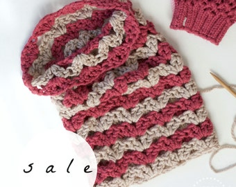 SALE | The Snowdrop Cowl | RASPBERRY+LINEN