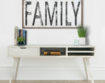 FAMILY Sign Art on Wood- Distressed Sign