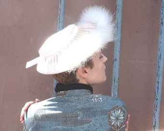 Vintage 1940s Hat // 40s 50s White Velvet Wide Brim Tilt Hat with Feathered Trim // Winter Bride