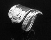 Vintage Decorative Spoon Ring, Silver Shell, Ocean Themed Jewelry