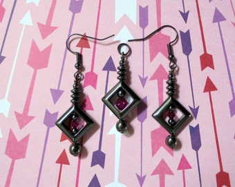 Black and Magenta Pendant and Earrings (0972)