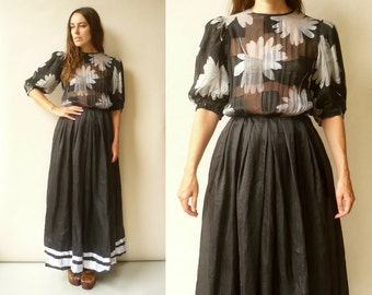 1980's Vintage Black & White Semi Sheer Maxi Dress Size Small