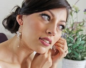 Bridal earings, pearl wedding earring, bridal jewelery, pearl cluster earring, pearl wedding jewelry, drop pearl earings. JESSICA White