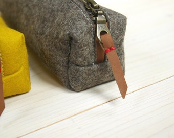 Felt pencil case - sandbrown