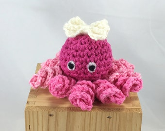 Octopus baby rattle, crocheted octopus, pink octopus