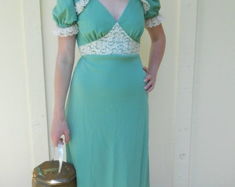 Vintage 1970s UNION MADE mint green empire-waist lace & polyester puff-sleeve festival maxi dress, size XS