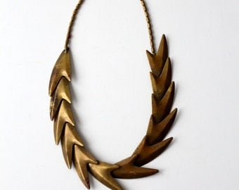 vintage brass necklace, statement necklace with linked arrow design