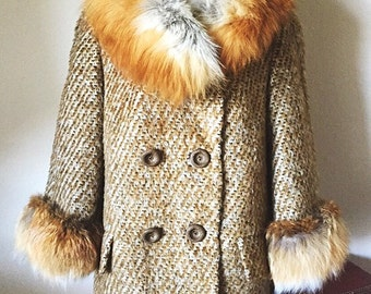 60's Italian Vintage Fox Fur collar Wool Coat, Textured Tweed Coat, 1960's Pea Coat , Medium