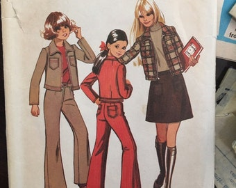 1970s Girls size 8 patch pocket skirt, flare pants and unlined jacket Simplicity Sewing Pattern 5208
