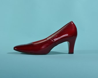 Vintage 1960s Red Shoes - Patent Leather High Heel - Size 5 Wedding Fashions