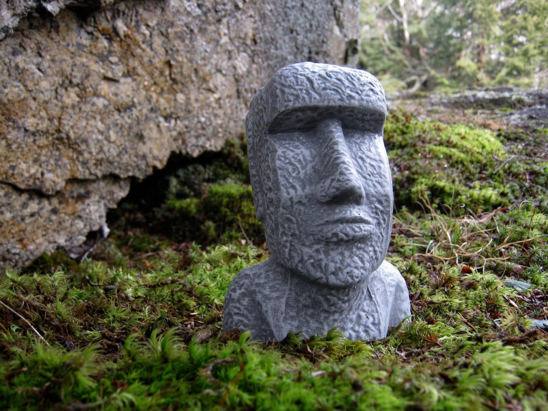 easter island head moai head concrete heads garden decor. Black Bedroom Furniture Sets. Home Design Ideas