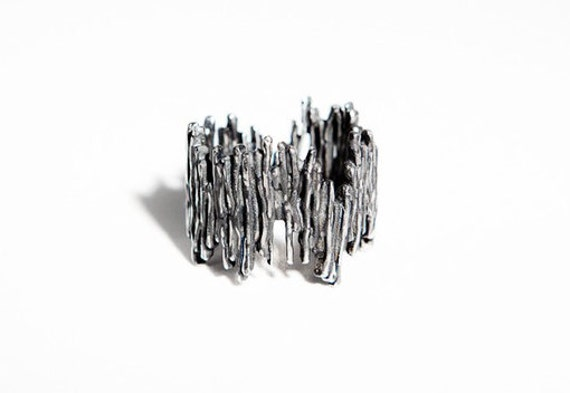Fairmined Oxidized Silver,Bold Stylish Silver Ring,Black Silver,Fair trade Design,Ecological jewellery,Made in Barcelona,By Emilie Bliguetn