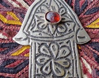 Red jewel hand engraved Moroccan Hand  pendant (U)