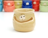 THE GRINNIN' IDGIT - ochre yellow - a Very Silly Egg Separator for the Cook Who Has Everything
