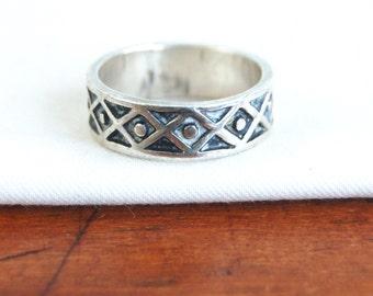 Southwestern Ring Band Size 7 .25 Vintage Mexican Sterling Silver Geometric Southwest Rug Design Diamond Lattice