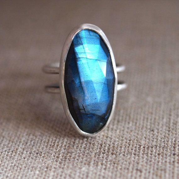 Labradorite Ring. Sterling Silver Ring. Black Moonstone.