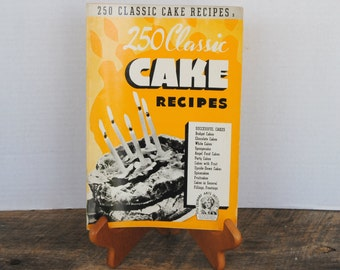 Vintage 250 Classic Cake Recipes 1940 Culinary Arts Institute Soft Cover Booklet