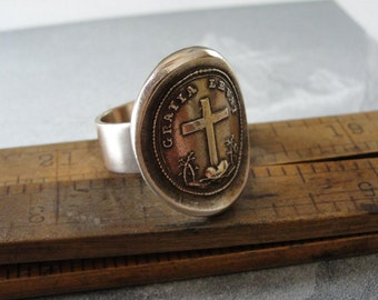 Wax Seal Ring - God's Grace Uplifts - Latin motto antique wax seal jewelry with faith cross - size 7 3/4