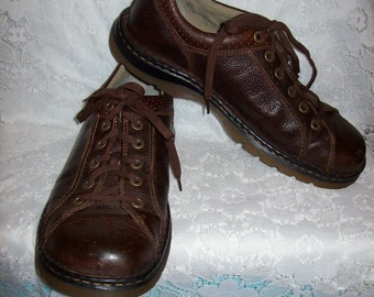 Vintage Men's Brown Leather Oxfords by Dr Marten Size 13 Only 22 USD
