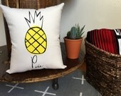 Pineapple pillow / Pina, Home decor, Summer trends, Spring finds, Mothers Day, Tropical, Dorm Room, New home, Housewarming