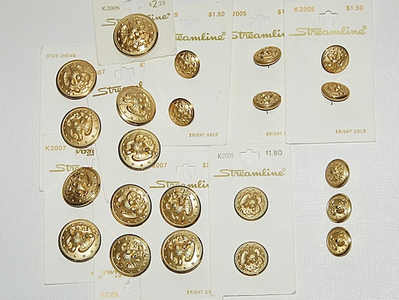 Reduced Collectible Set 22 BRIGHT EAGLE GOLD Metal Buttons Eagle Design Various Sizes Made in U S A by 'Streamline' Never Used Exc Condition